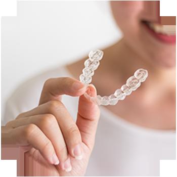 Zahnkorrektur/ Gerade Zähne für das perfekte Lächeln